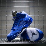 nike-air-jordan-v-retro-blue-suede-136027-401-mood-1
